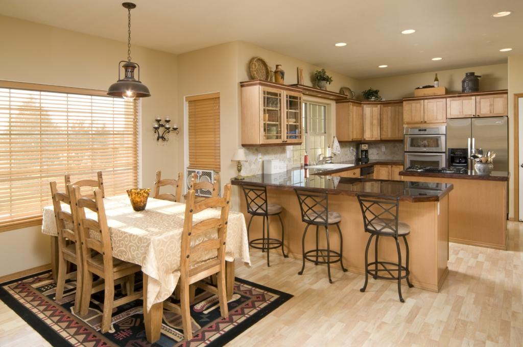 Интерьер кухни-столовой фото