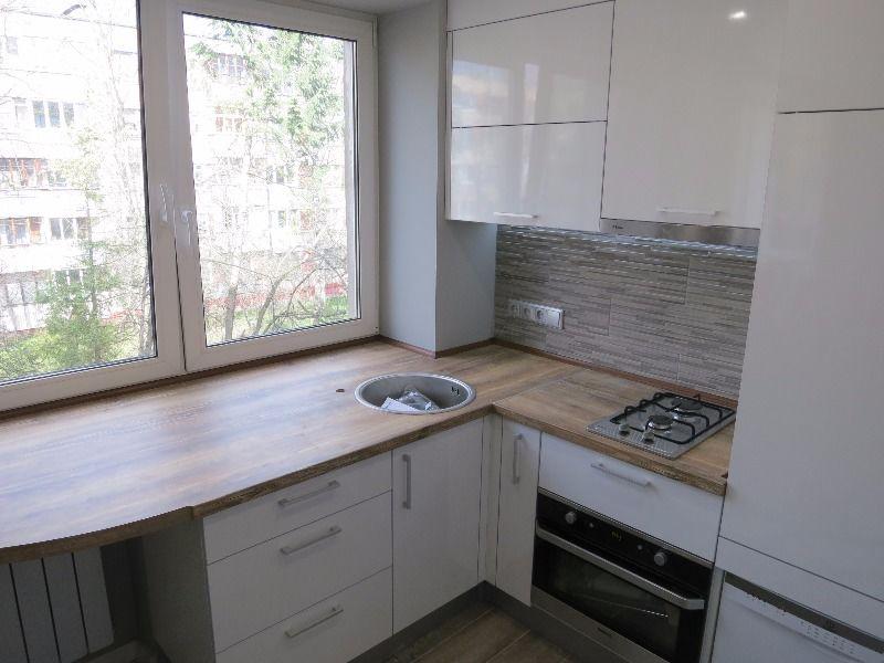 Кухня 5 кв м дизайн с холодильником