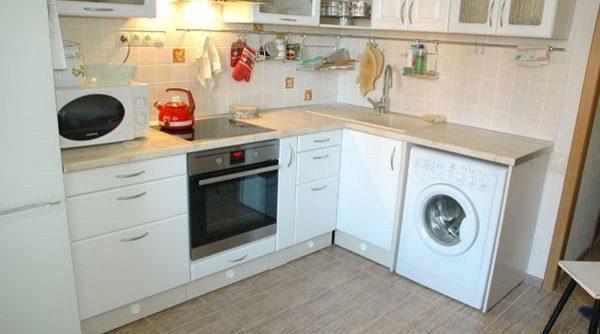 малогабаритные кухни 5 кв м фото угловые с холодильником