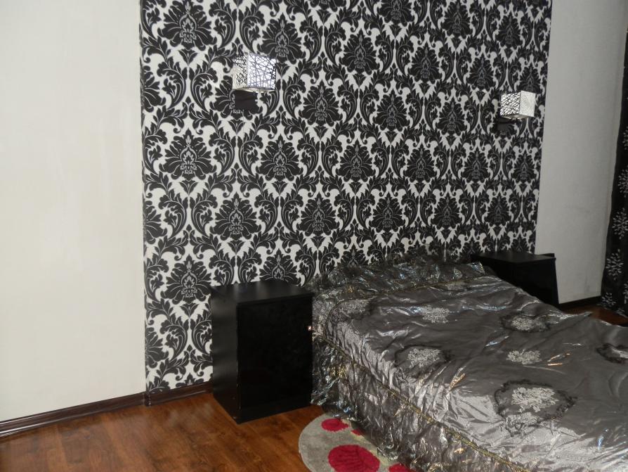 обои для стен бело-черные фото