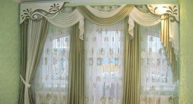 шторы с ламбрекеном в гостиную фото