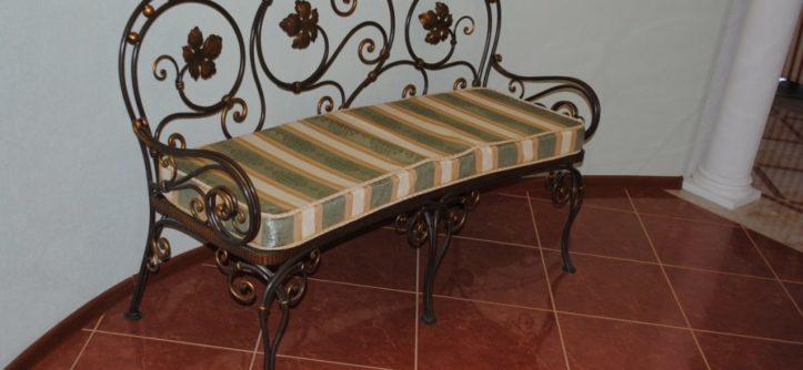кованная мебель для прихожей
