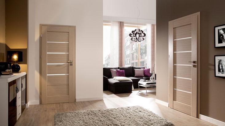 Светлые полы светлые двери в интерьере фото
