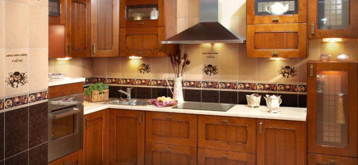 отделка кухни плиткой и обоями фото