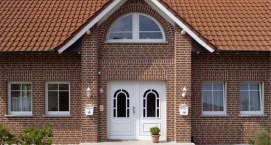 отделка фасадов домов современными материалами фото